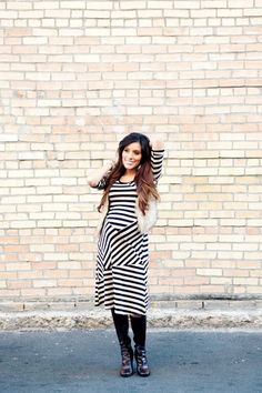 Maternity style: Diagonal stripes! Find more styling tips at Mychicbump.com