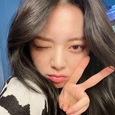 Kpop Aesthetic, Aesthetic Photo, Aesthetic Pictures, I Love Girls, Cool Girl, K Pop, Kpop Girl Groups, Kpop Girls, Best Kpop
