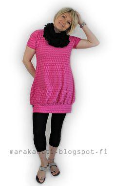 Marakantti Clothing Patterns, Dress Patterns, Textiles, Sewing Hacks, Sewing Tips, Diy Clothes, Girls Dresses, High Neck Dress, Short Sleeve Dresses
