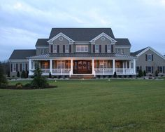 55 Awesome Home Exterior Design Ideas. You can fix your home exterior design even if you do not have much money. In this article I am going to talk about the ways to improve your home exterior design. Farmhouse Plans, Modern Farmhouse, Farmhouse Style, Farmhouse Front, Farmhouse Design, Country Farmhouse Exterior, Farmhouse Bedrooms, Victorian Farmhouse, French Farmhouse