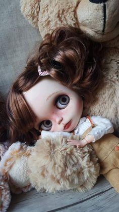 RÉSERVÉ Sasha. poupée ooak Blythe custom de par PommedAmourDolls