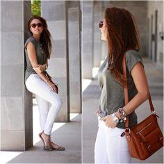 Get this look: http://lb.nu/look/7473172  More looks by Carolina González Toledo: http://lb.nu/carolinatoledo  Items in this look:  Primark Shirt, Parfois Bag, Parfois Watch, Stradivarius Jeans, Zara Flats   #casual #chic #street