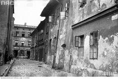 Ulica Izaaka Kazimierz 1933r Krakow Poland, World Cities, Planet Earth, Abandoned Places, Old Photos, City, Google, Historia, Fotografia