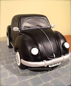 Pinner Wrote VW Beetle - This is my VW Beetle, a birthday cake for my grand uncle. Bolo Fondant, Fondant Cakes, Crazy Cakes, Fancy Cakes, Sculpted Cakes, 3d Cakes, Unique Cakes, Creative Cakes, Cakes For Men