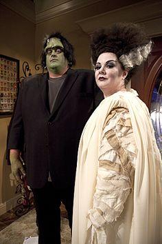 "mike and molly pics of episodes   ... Frankenstein s'est réincarnée en Molly de ""Mike and Molly"" - © CBS"