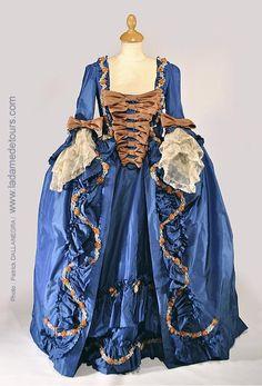 """Robe à la française d'après le tableau de Boucher """"'Madame de Pompadour'"""""""