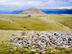 Le mont Lozère : le Puech des Bondons constitue la plus importante concentration de menhirs du sud de la France (avec plus de 150 menhirs). Erigés sur ce petit causse au Néolithique final / Chalcolithique (2500-1800 avant J.C.).