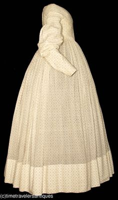 1826 calico sprig printed cotton one piece day dress, cartridge pleated. (side view)