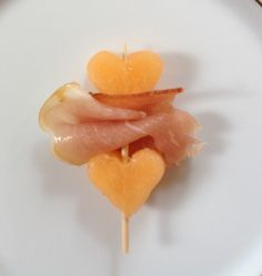 Pinning for idea of cantaloupe and pancetta No Cook Meals, Kids Meals, Cute Food, Good Food, Buffet, Tapas Menu, Brunch, Bento Recipes, Party Dishes