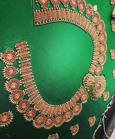 Embroidery for pearl lover. Cutwork Blouse Designs, Kids Blouse Designs, Wedding Saree Blouse Designs, Pattu Saree Blouse Designs, Blouse Neck Designs, Hand Embroidery Designs, Hand Designs, Hand Work Design, Hand Work Blouse Design