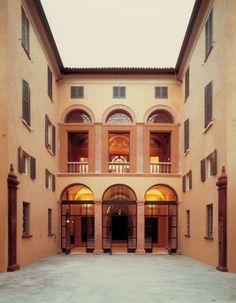 Palazzo Magnani e la sua storia travagliata