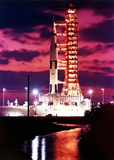 Nasa History — Saturn V ready for the final unmanned Apollo Apollo Space Program, Nasa Space Program, Nasa Missions, Apollo Missions, Moon Missions, American Space, Nasa History, Launch Pad, Space Race