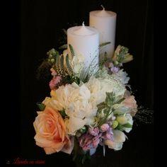 Scented Pastel wedding candles #floral design #madewithjoy #paulamoldovan #livadacuvisini #wedding #candles #flowers #peonies #peony #mathiola #freesia #scent #lumanari #cununie #nunta #bujori #frezii Peony, Floral Design, Floral Wreath, Pastel, Wreaths, Candles, Table Decorations, Flowers, Wedding