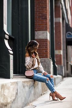 Nude Outfits, Chic Outfits, Trendy Outfits, Girl Outfits, Stylish Winter Outfits, Winter Fashion Outfits, Autumn Winter Fashion, Yellow Sundress, White Jeans Outfit