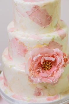 These wedding cakes from amazing bakeries like Babushka Bakery, Elysia Root Cakes and Rooney Girl Bakeshop are seriously adorable and perfect for any bride Beautiful Cake Designs, Beautiful Cakes, Amazing Cakes, Beautiful Life, Wafer Paper Flowers, Wafer Paper Cake, Wedding Cake Photos, Elegant Wedding Cakes, Fondant