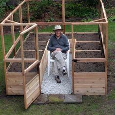 Fenced Vegetable Garden, Raised Vegetable Gardens, Vegetable Garden For Beginners, Vegetable Garden Design, Raised Bed Gardens, Fence Options, Fence Ideas, Bed Ideas, Cedar Garden