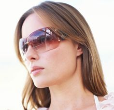 a529efdbb0a4 How-To  Keep Your Sunglasses From Ruining Your Hairstyle