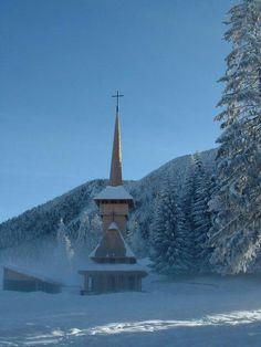 Beautiful winter Church, Poiana Brasov, Romania - Pixdaus