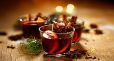 Holiday Mulled Cranberry Juice: Great For Christmas. A mixture of cinnamon sticks, slices of ginger, brown sugar, a clove and a few star anise. # Food and Drink ideas cranberry juice Holiday Mulled Cranberry Juice: Best Christmas Cocktails, Thanksgiving Cocktails, Summer Cocktails, Thanksgiving Table, Cocktail Recipes, Wine Recipes, Sangria Recipes, Margarita Recipes, Ponche Navideno