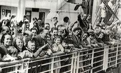 """La mayoría de los pasajeros judíos habían solicitado visados para los Estados Unidos y tenía planeado permanecer en Cuba sólo hasta que pudieran entrar en dicho país. Durante la travesía del """"St. Louis"""", hubo sin embargo indicios de que las condiciones políticas en Cuba podrían impedir que los pasajeros desembarcaran allí."""
