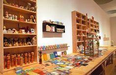 """""""美術家・奈良美智さんの大規模な個展が愛知・豊田市美術館で開かれています。30年の足跡を作家の言葉とともに振り返ります。 https://t.co/bL4HlI6axt"""""""