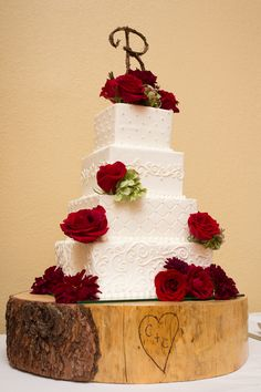 Display your wedding cake on a tree stump...  A small rustic/country touch that allows you to decorate the cake however you want!