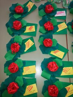 BUSCANT IDEES: SANT JORDI 2014!!! Spring Crafts, Diy Projects To Try, Gift Wrapping, Gifts, School, Paper Crafts, Roses, Spring, Ganchillo
