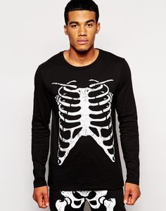 Try out these trendy printed T-shirts hoodies and tank tops for both men and women as a halloween costume with awesome ideas for couple costumes too. Buy the latest pumpkin shirts, Suicide Squad shirts and other printed zombie and ghost shirts. SHOP: Printingactive(dot)com Halloween Costumes, Couple Costume, halloween makeup, Halloween Witch, Halloween Hacks, Suicide Squad, Couples Halloween Costume Ideas