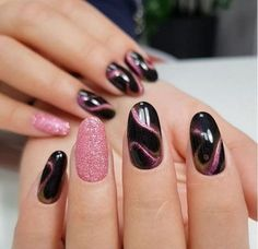 50 auffällige Cat Eye Nail Designs Nails play an eye-catching role in women's images. Beautiful nail designs make people happy and increase their personal charm. Fine manicured nails make people delicate and beautiful. If you want to make your nails beaut Pink Nail Art, Pink Nails, Black Nails, Nail Polish Designs, Nail Art Designs, Nails Design, Two Tone Nails, Magnetic Nail Polish, Water Marble Nail Art