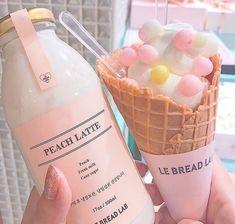 s w e e t ✰ t r e a t s ☞ peachy Kreative Desserts, Pink Foods, Cute Desserts, Cafe Food, Aesthetic Food, Pink Aesthetic, Korean Aesthetic, Aesthetic Vintage, Korean Food