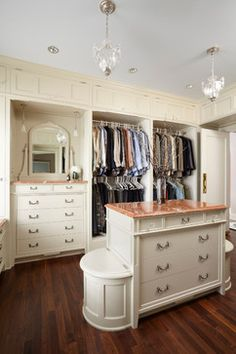 10 Closets That Have Us Swooning, Thanks To Storage Galore And Plush Surroundings (PHOTOS)