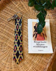 @bebeverlyberlin posted to Instagram: Da wir gerade beim Lesen sind. #Schlüsselanhänger aus #Krawattenenden. Shoplink in Bio @beverly_berlin #beverlyberlin #upcyclingfashion #agelessstyle #schlips #krawatte #lulasberlin #coolstuff #oneofakind #einzelstück #newlook #pimpyourlook #ethicallymade #madeingermany #madeinberlin #keychain #ringelnatz # #unique #gift #keychains #present Upcycling Fashion, Berlin, Cool Stuff, Cover, Gift, Instagram, Tie, Word Reading, Blanket