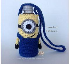Ravelry: Minion Water Bottle Holder pattern by Paisley Crochet Cozy, Cute Crochet, Crochet For Kids, Wine Bottle Covers, Water Bottle Holders, Minion Crochet, Crochet Kitchen, Crochet Purses, Crochet Bags