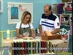 Programa exibido na Tv Século no dia 04-10-12 Elizandra Sobral - Encardenação com Cartonagem Fernanda Felix - Chaveiro de Pássaro