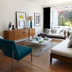Featuring modern living room, kitchen, bedroom and bathroom interior design ideas for your house. The best tips for your modern interior design! Mid Century Modern Living Room, Mid Century Modern Design, Living Room Modern, Modern House Design, Rugs In Living Room, Living Room Decor, Cozy Living, Small Living, Modern Bedroom