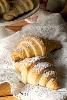 Goal - Italian Pastries Pastas and Cheeses Italian Pastries, Italian Desserts, Italian Recipes, Bake Croissants, Good Morning Breakfast, Sweet Buns, Italian Cookies, Sweet And Salty, Sweet Bread