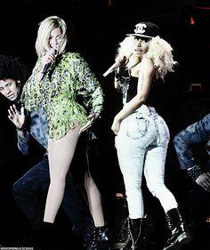Beyonce x Nicki Beyonce Nicki Minaj, New School Hip Hop, Black Royalty, People News, Black And Blonde, Beyonce Knowles, Queen B, Celebs, Celebrities