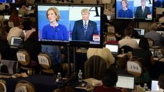 Republican presidential hopeful Donald Trump has been rebuked by fellow candidate the businesswoman Carly Fiorina for his recent comment that voters might not back her because of his looks