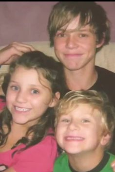 Awww Ashton with his brother and sister