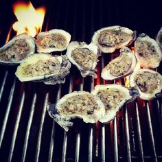 Baked Oyster Recipes, Cajun Recipes, Donut Recipes, Fish Recipes, Seafood Recipes, Cooking Recipes, Cajun Food, Bbq Oysters, Fresh Oysters
