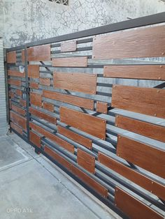 Front Gate Design, Main Gate Design, Fence Design, Outdoor Wood Projects, Metal Art Projects, Sheet Metal Fabrication, Balcony Railing Design, Steel Gate, Fence Styles