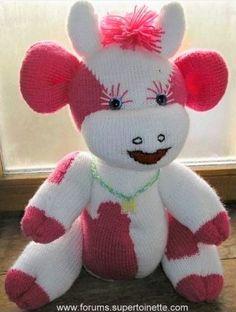 Crochet animals 693484042603092728 - Tuto Vache en laine, tricot et crochet Source by solfourcault Crochet Cow, Crochet Animals, Crochet For Kids, Crochet Patron, Crochet Amigurumi, Free Crochet, Baby Cows, Knitting Patterns, Hello Kitty