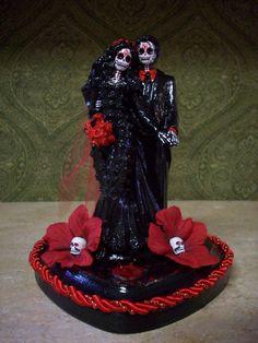 Wedding Cake Toppers - 13 Halloween Wedding Ideas: Halloween Wedding ...