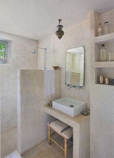 Interested in tadelakt, loam, concrete stucco, mortex, concrete finis Laundry In Bathroom, Basement Bathroom, Bathroom Wall, Bathroom Interior, Nature Bathroom, Pool Bathroom, Neutral Bathroom, Master Bathrooms, Design Bathroom