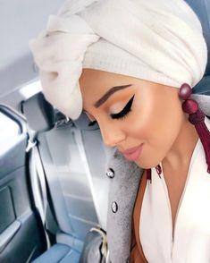 Hijab Wear, Casual Hijab Outfit, Hijab Styles, Scarf Styles, Mode Turban, Stylish Hijab, Hijab Fashionista, Head Scarfs, Turban Style