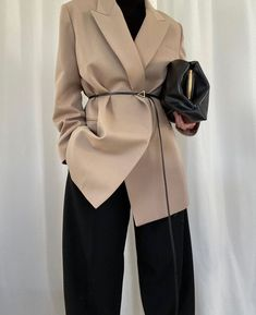 Hipster Fashion Style, Suit Fashion, Look Fashion, Korean Fashion, Classy Fashion, Modern Hijab Fashion, Modesty Fashion, Muslim Fashion, Winter Fashion