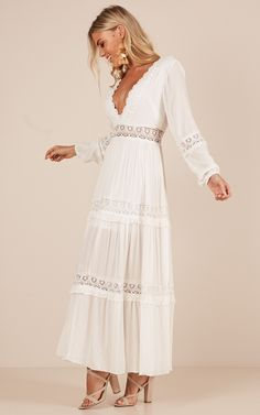 Ariel Maxi Dress In White Produced - Summer Dresses Beautiful Dress Designs, Beautiful Dresses, Nice Dresses, Awesome Dresses, Casual Dresses, White Maxi Dresses, Spring Dresses, White Flowy Dress, Simple White Dress