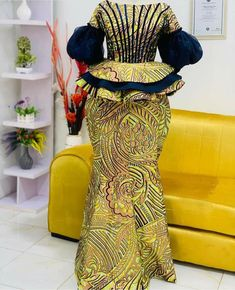 African Bridesmaid Dresses, African Fashion Ankara, African Dresses For Women, African Print Fashion, Africa Fashion, African Prints, African Attire, Ankara Skirt And Blouse, Ankara Dress Styles