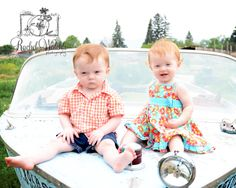 Red-headed TWINS!    {www.rachelwalchliphotography.com}