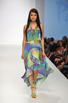 Picture of Parides Green Sublime Gypsy Spanish Flare Dress / 215 Side